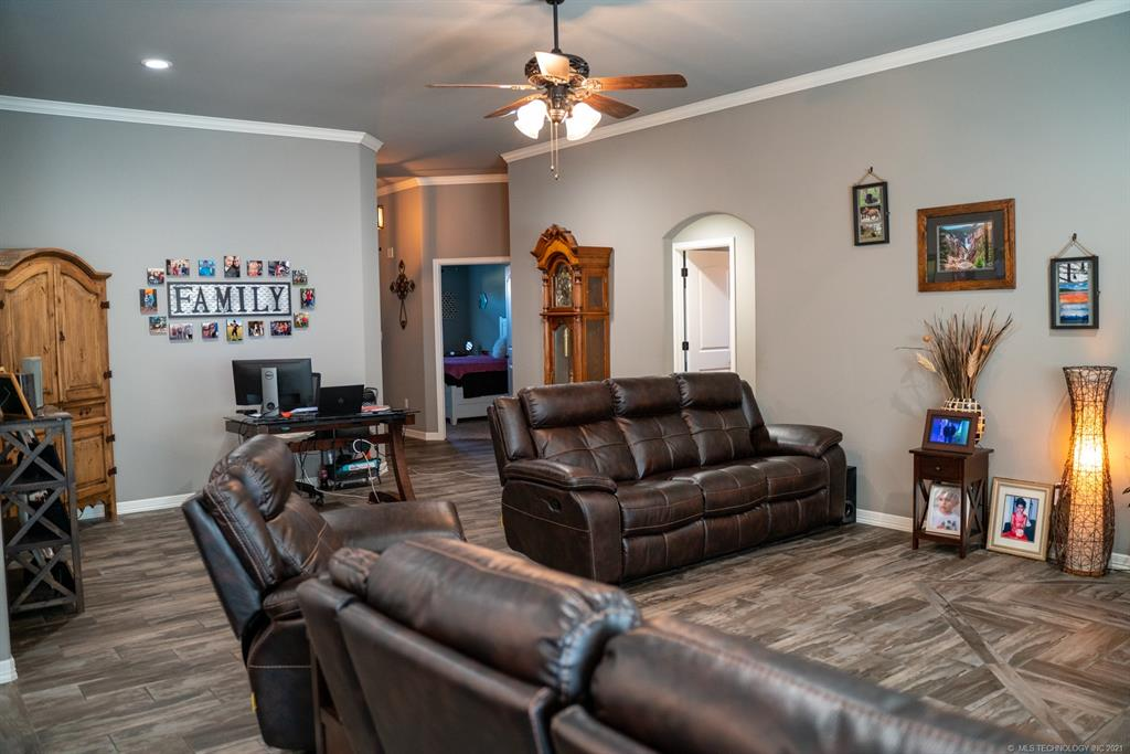Off Market   8246 Dunnwood Road Claremore, Oklahoma 74019 5