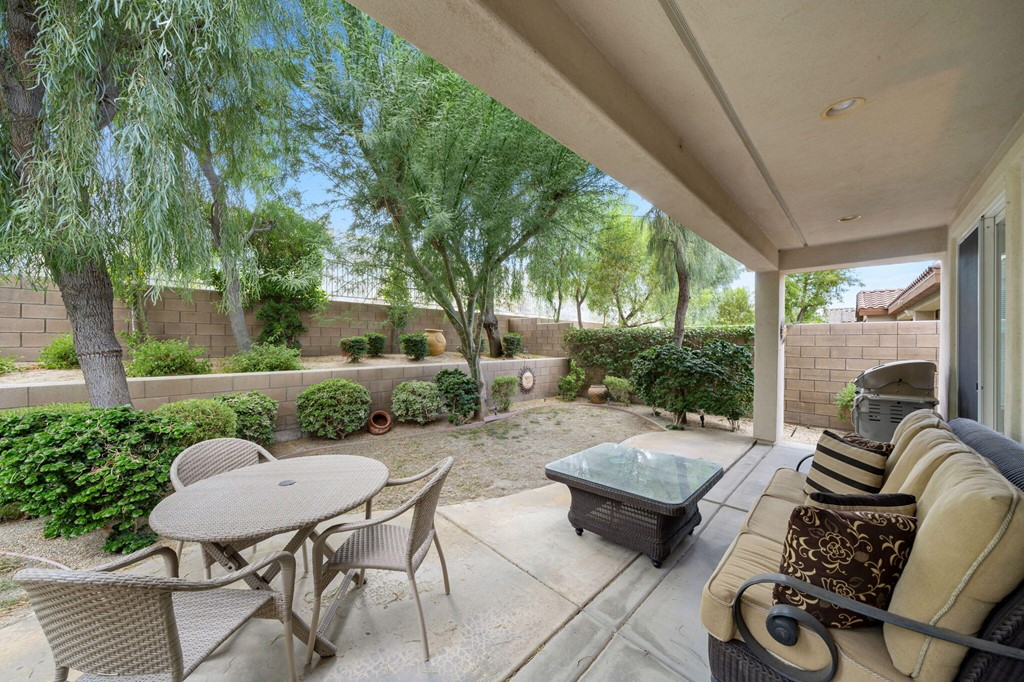 ActiveUnderContract   60735 Living Stone Drive La Quinta, CA 92253 23