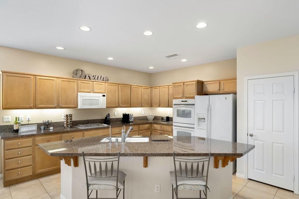 ActiveUnderContract   60735 Living Stone Drive La Quinta, CA 92253 11