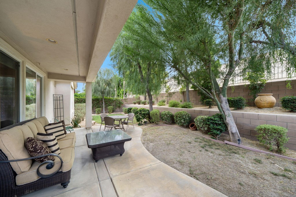 ActiveUnderContract   60735 Living Stone Drive La Quinta, CA 92253 24