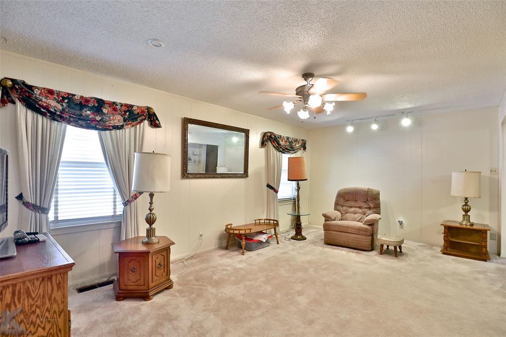 Active | 1241 S Jefferson Drive Abilene, Texas 79605 8