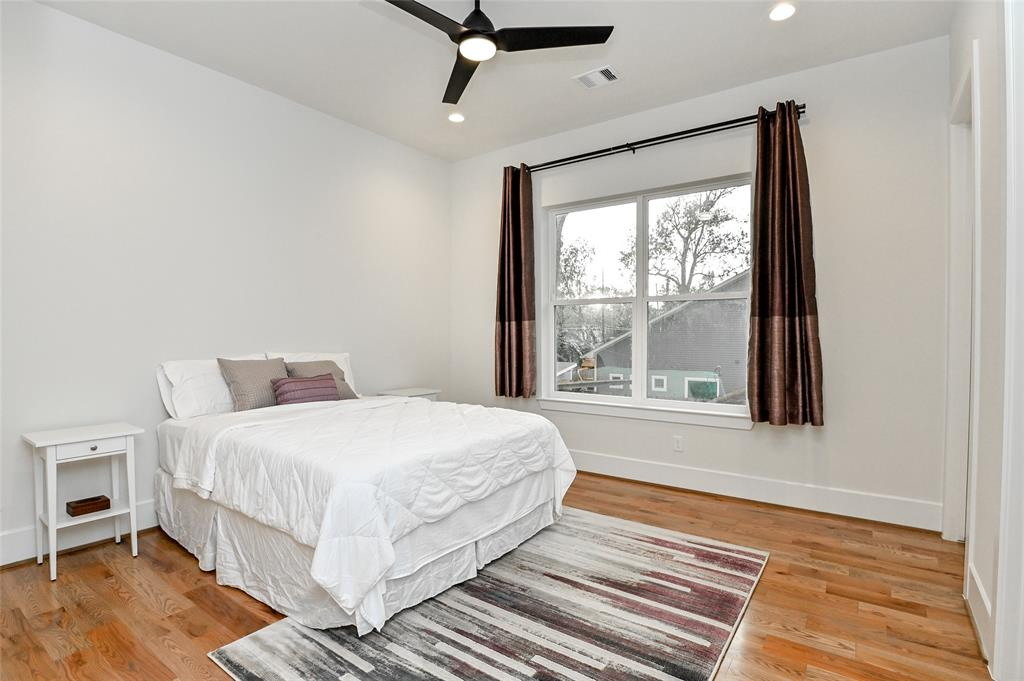 Active | 742 Sue Barnett Drive Houston, Texas 77018 35