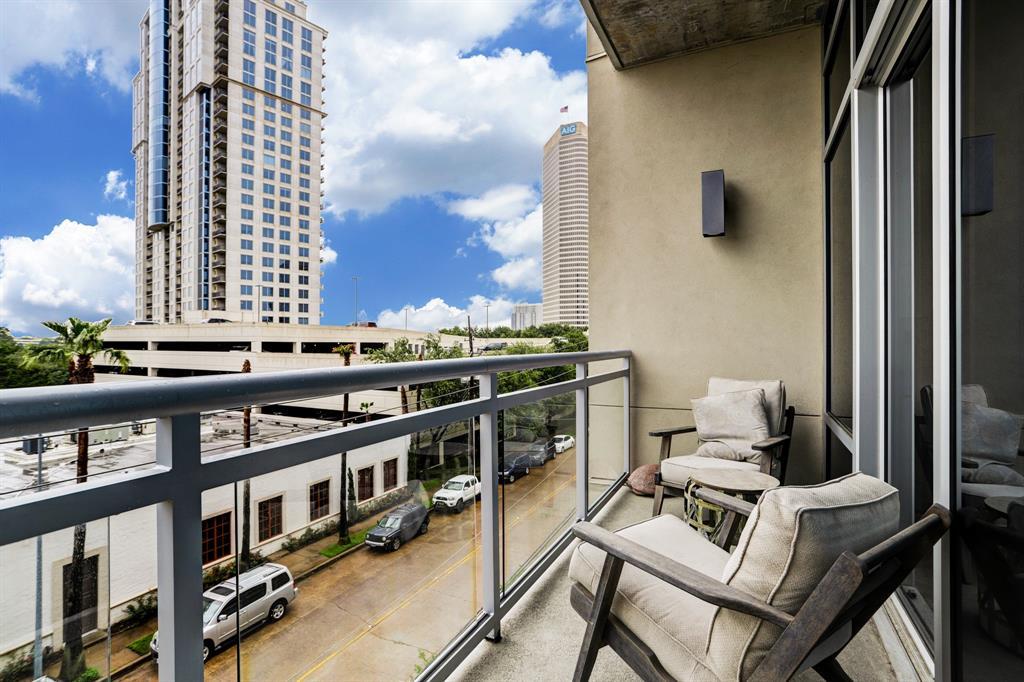 Active | 3331 D'Amico Street #403 Houston, Texas 77019 4