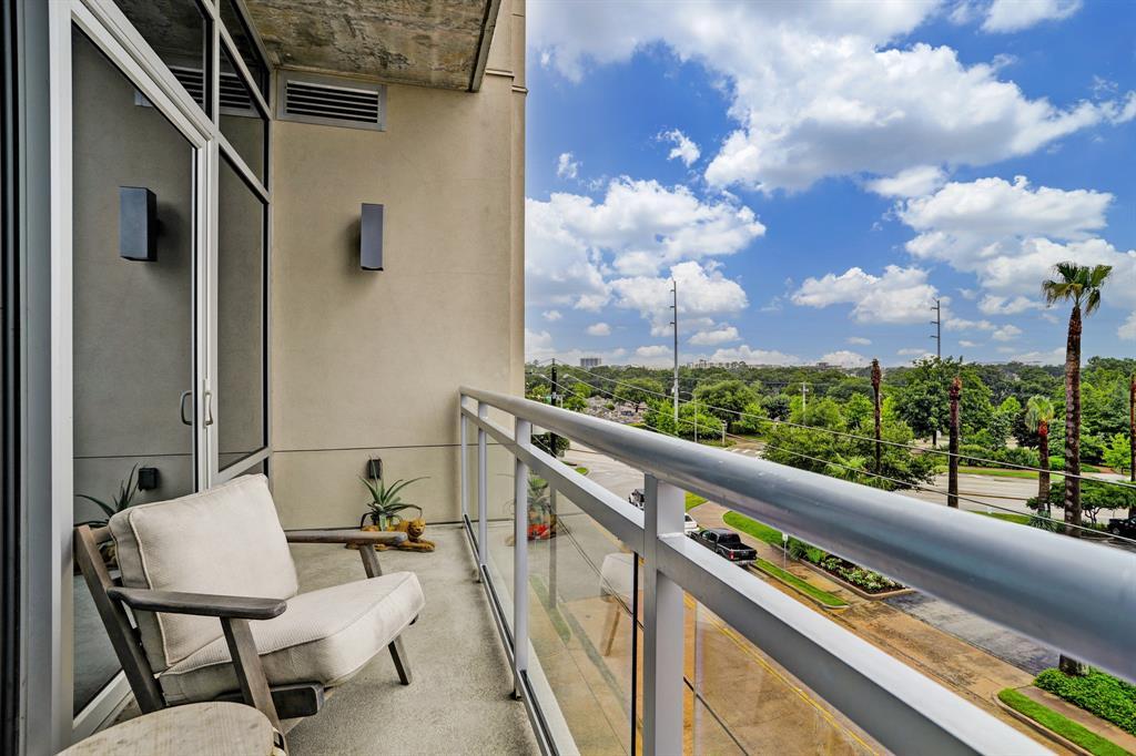 Active | 3331 D'Amico Street #403 Houston, Texas 77019 5
