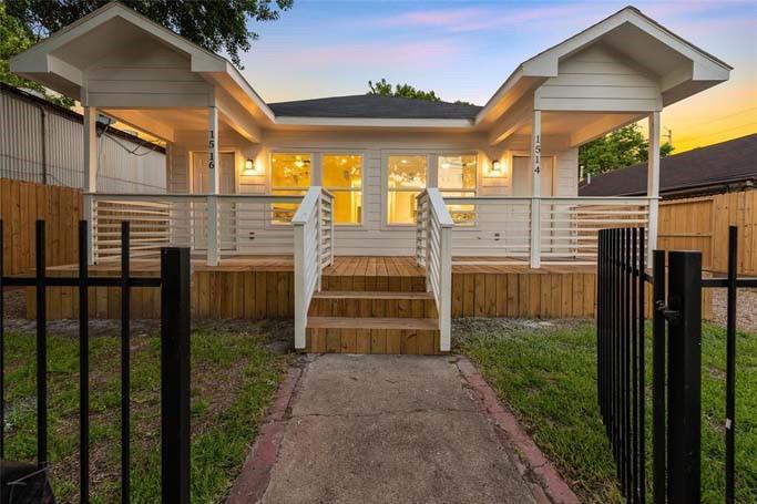 Active | 1514 Everett Street Houston, Texas 77009 2