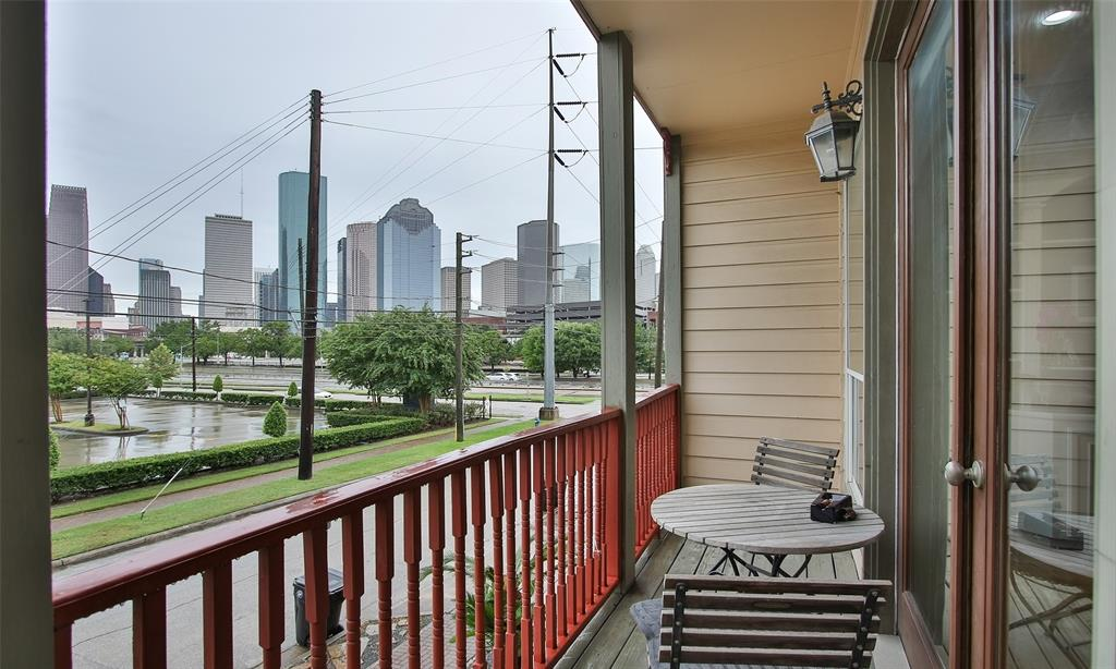 Active   507 Sabine Street Houston, Texas 77007 31