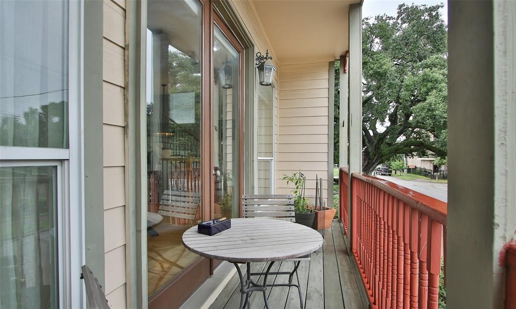 Active   507 Sabine Street Houston, Texas 77007 32