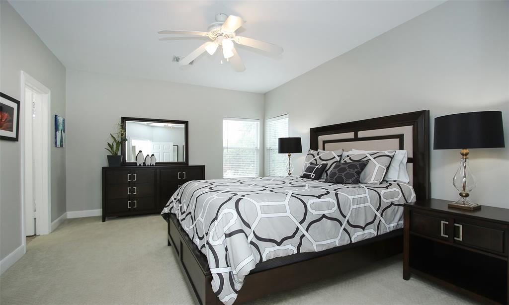 Active   507 Sabine Street Houston, Texas 77007 33