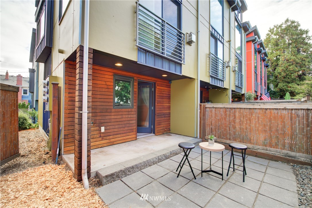 Pending | 1716 California Avenue SW #A Seattle, WA 98116 23