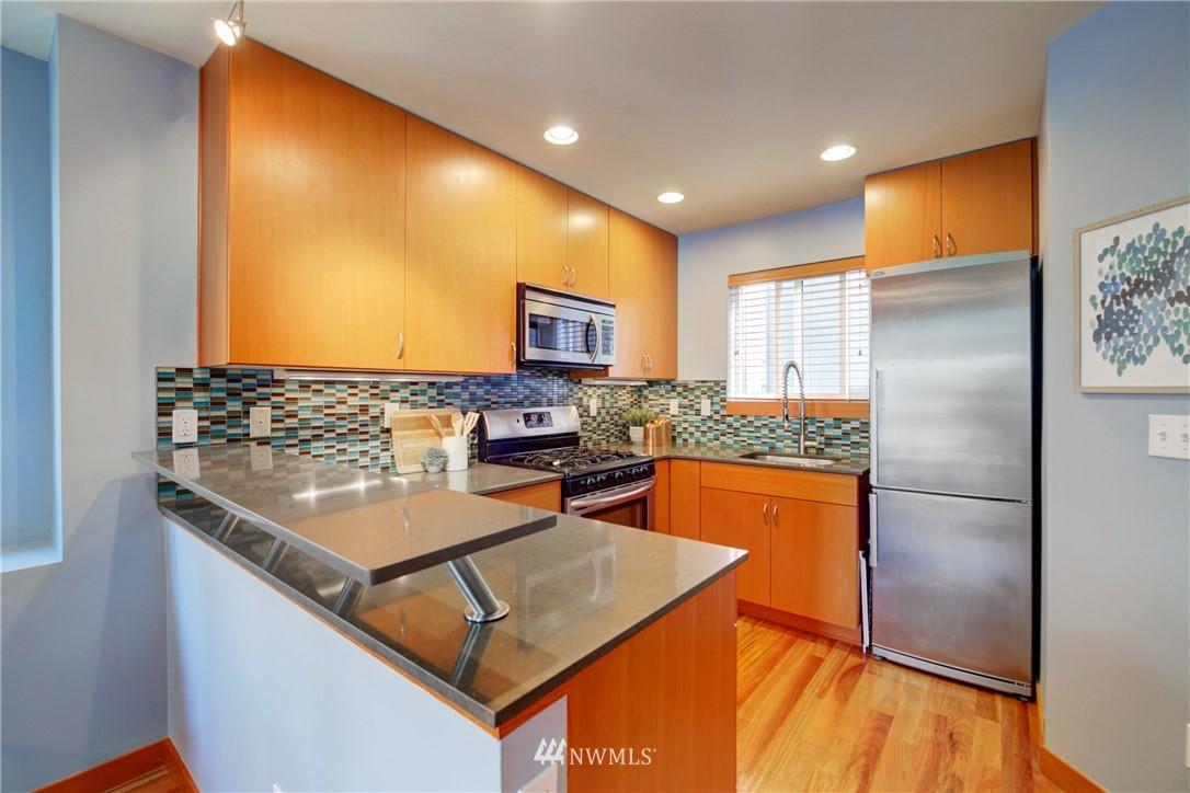Pending | 1716 California Avenue SW #A Seattle, WA 98116 8
