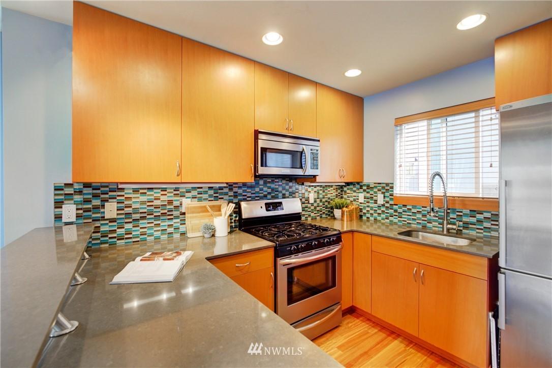 Pending | 1716 California Avenue SW #A Seattle, WA 98116 9