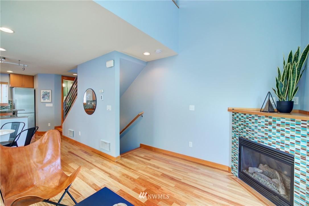 Pending | 1716 California Avenue SW #A Seattle, WA 98116 4