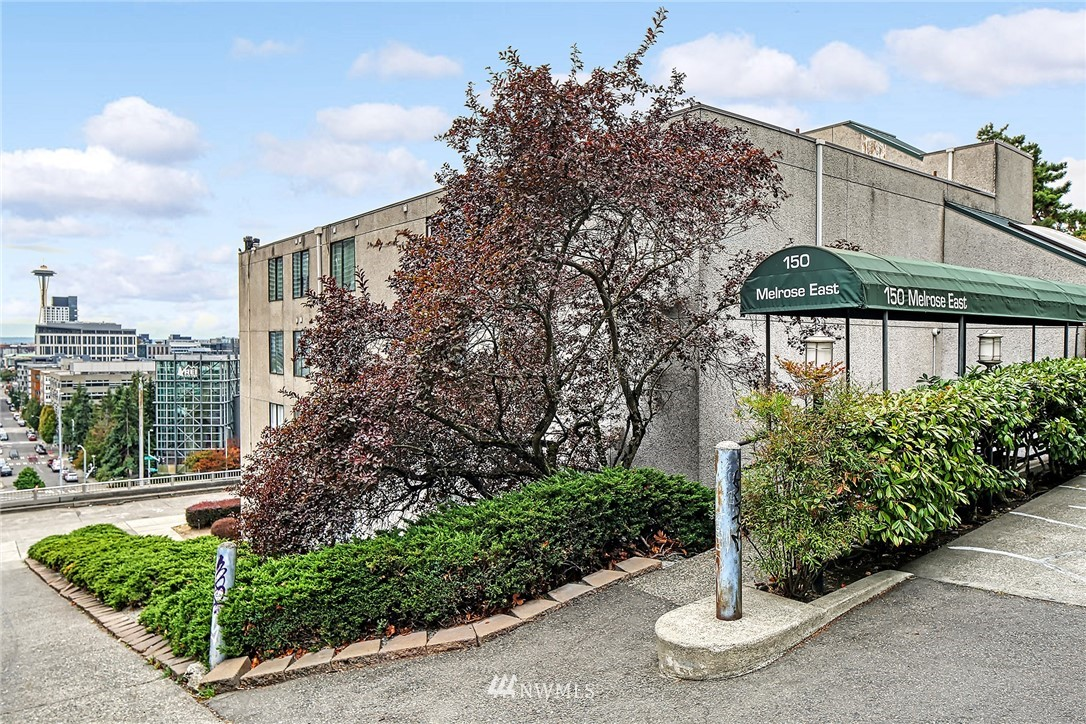Pending | 150 Melrose Avenue E #106 Seattle, WA 98102 25