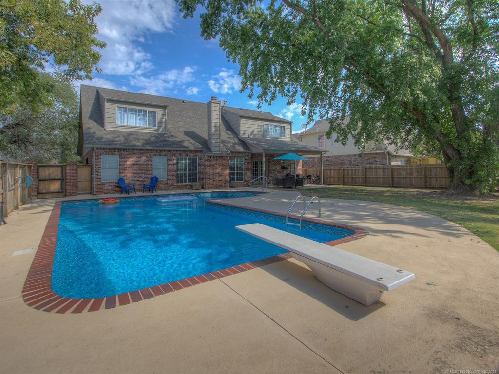 Active   2910 E 101st Place Tulsa, Oklahoma 74137 22