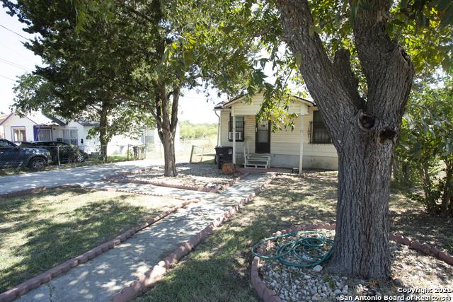 Pending   1666 Rigsby Ave San Antonio, TX 78210 1