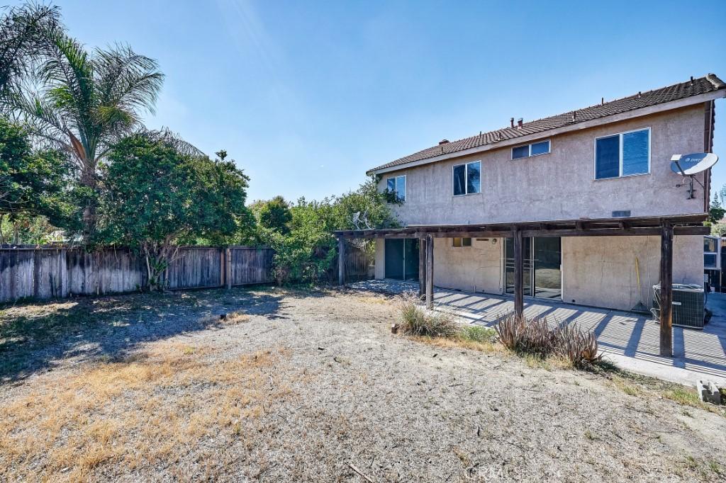 Active | 14055 El Camino Place Fontana, CA 92337 38