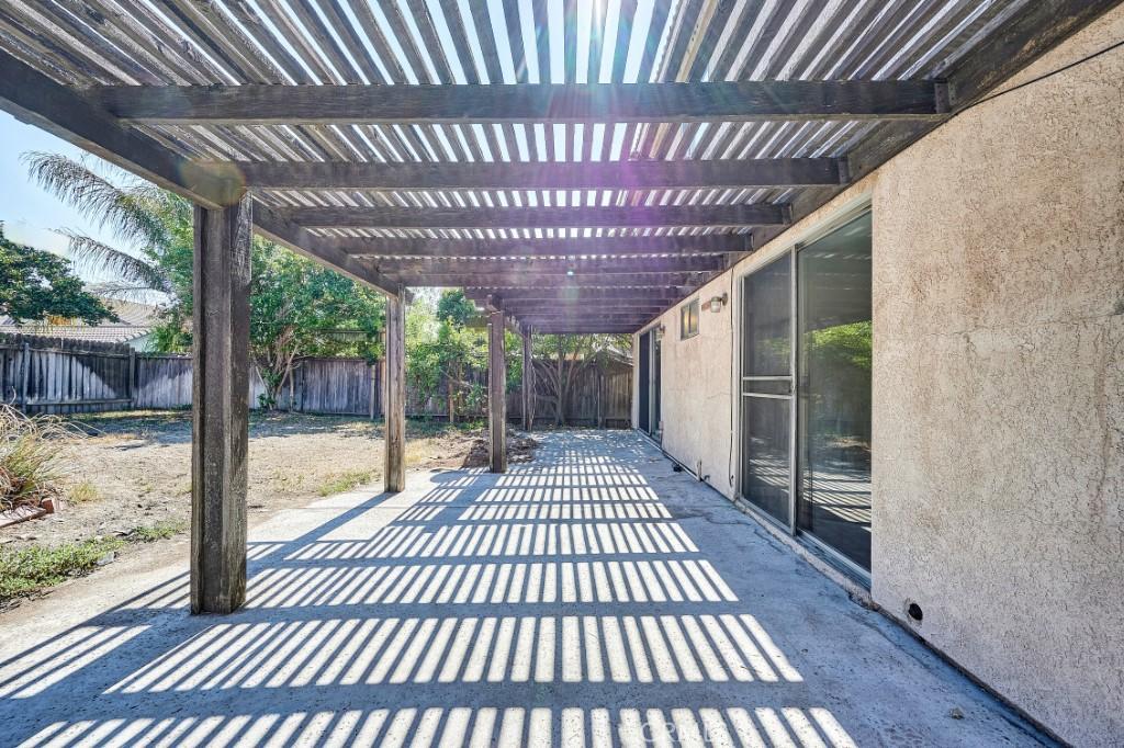 Active | 14055 El Camino Place Fontana, CA 92337 36