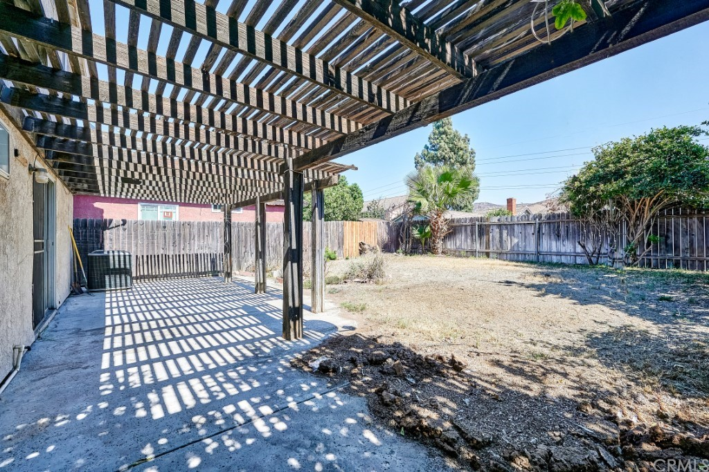 Active | 14055 El Camino Place Fontana, CA 92337 35