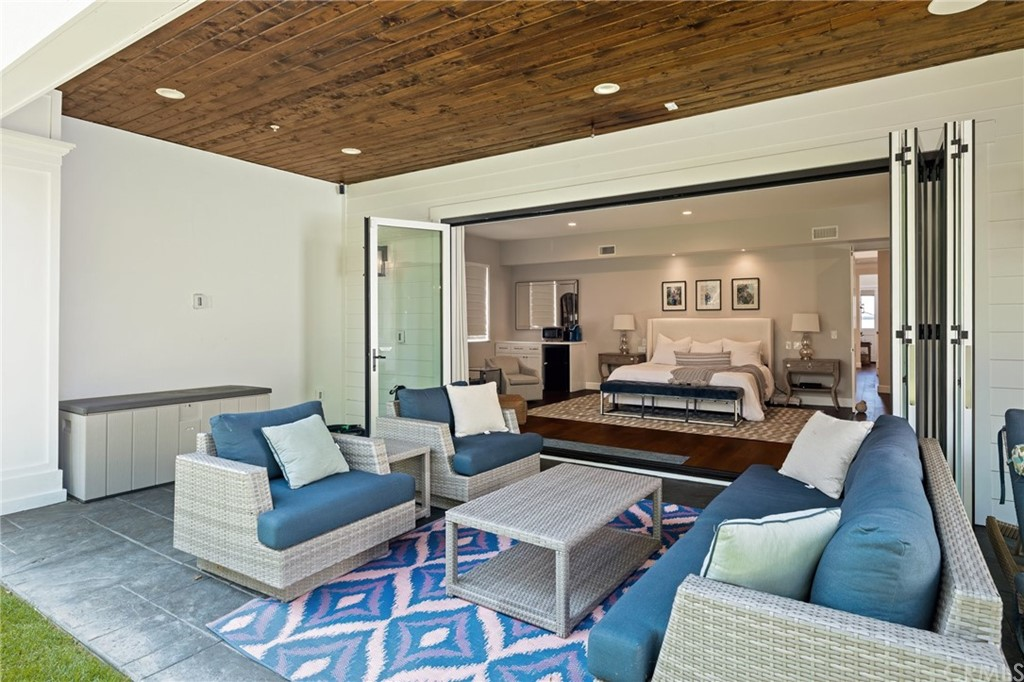Pending | 550 S Helberta Avenue Redondo Beach, CA 90277 54