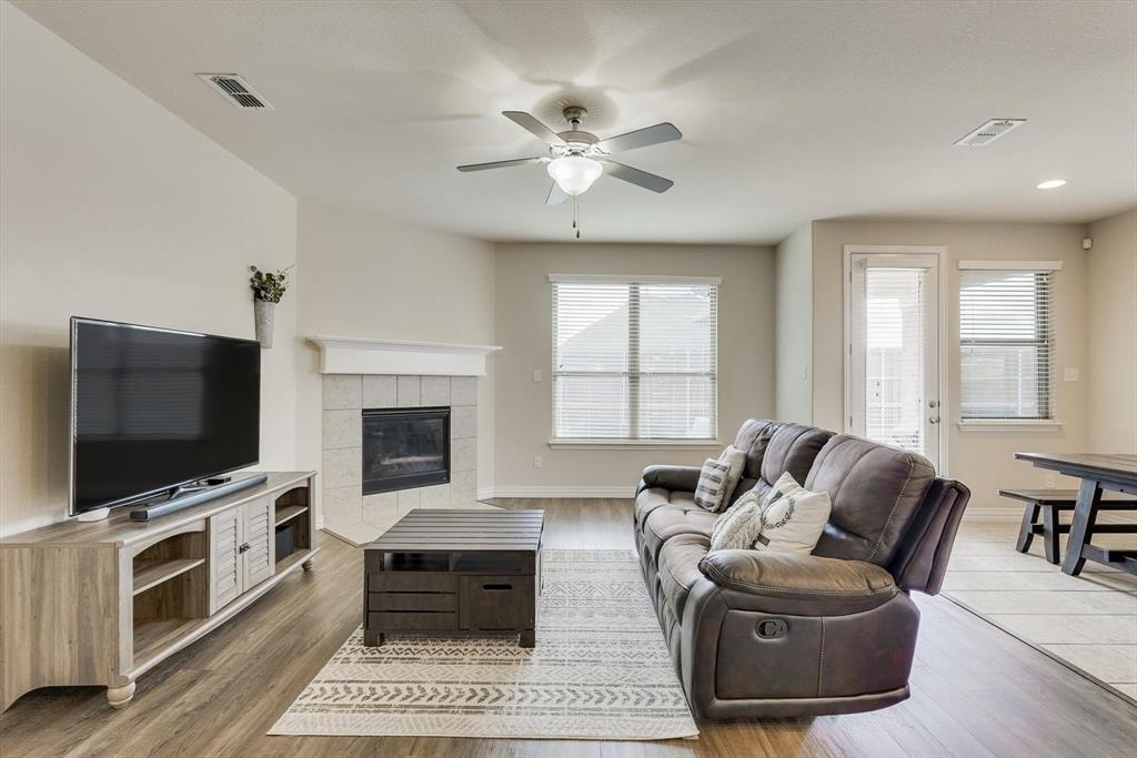 Sold Property | 2920 Blue Lake Drive Little Elm, Texas 75068 9
