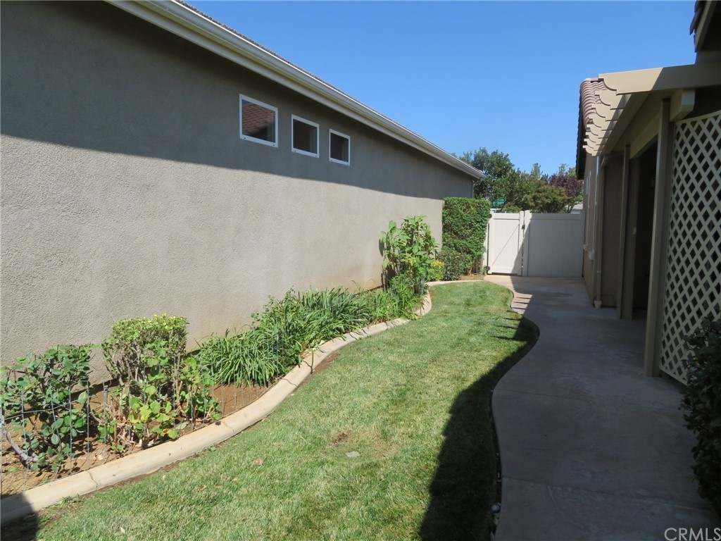 ActiveUnderContract   1610 Quiet Creek Beaumont, CA 92223 20