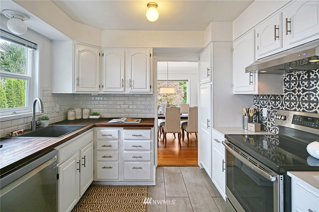 Sold Property | 7339 Mary Avenue NW Seattle, WA 98117 5