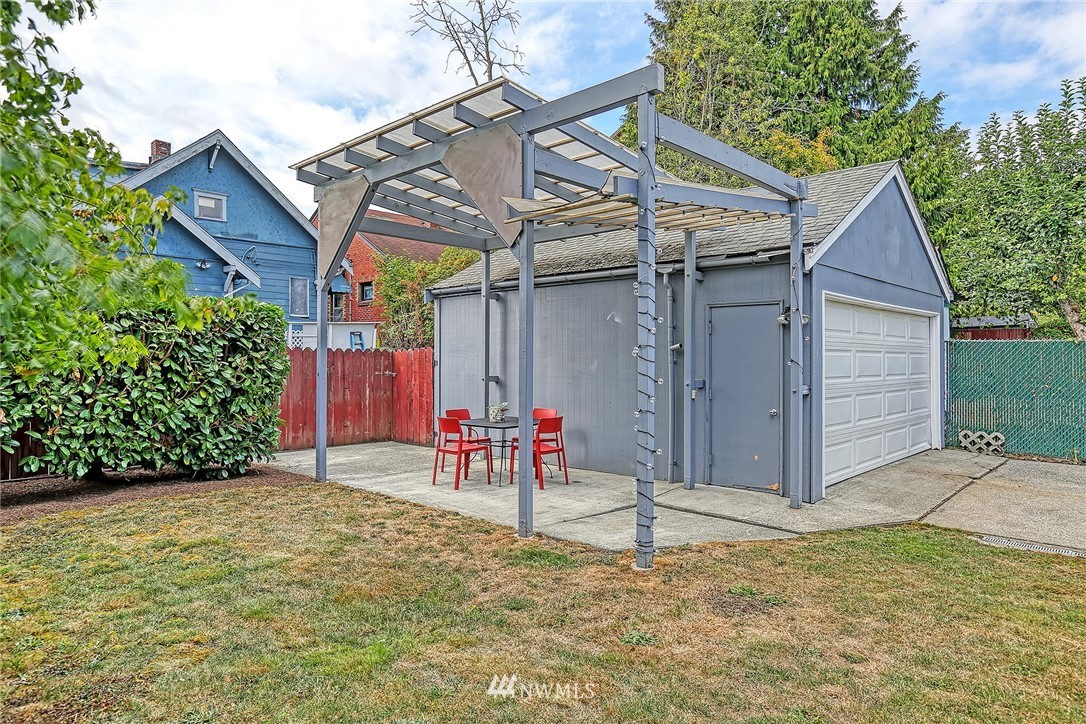 Sold Property | 7339 Mary Avenue NW Seattle, WA 98117 23