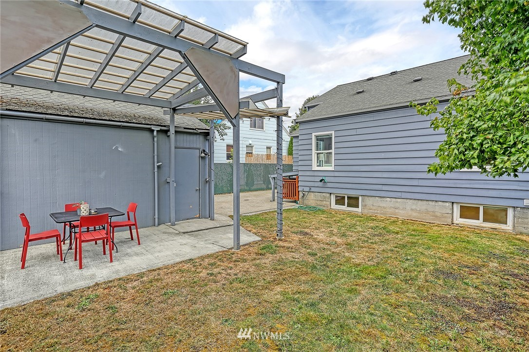 Sold Property | 7339 Mary Avenue NW Seattle, WA 98117 25