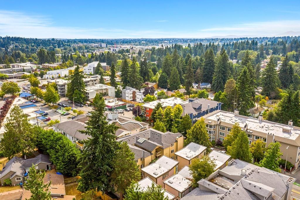 Pending | 12016 15th Avenue NE Seattle, WA 98125 21
