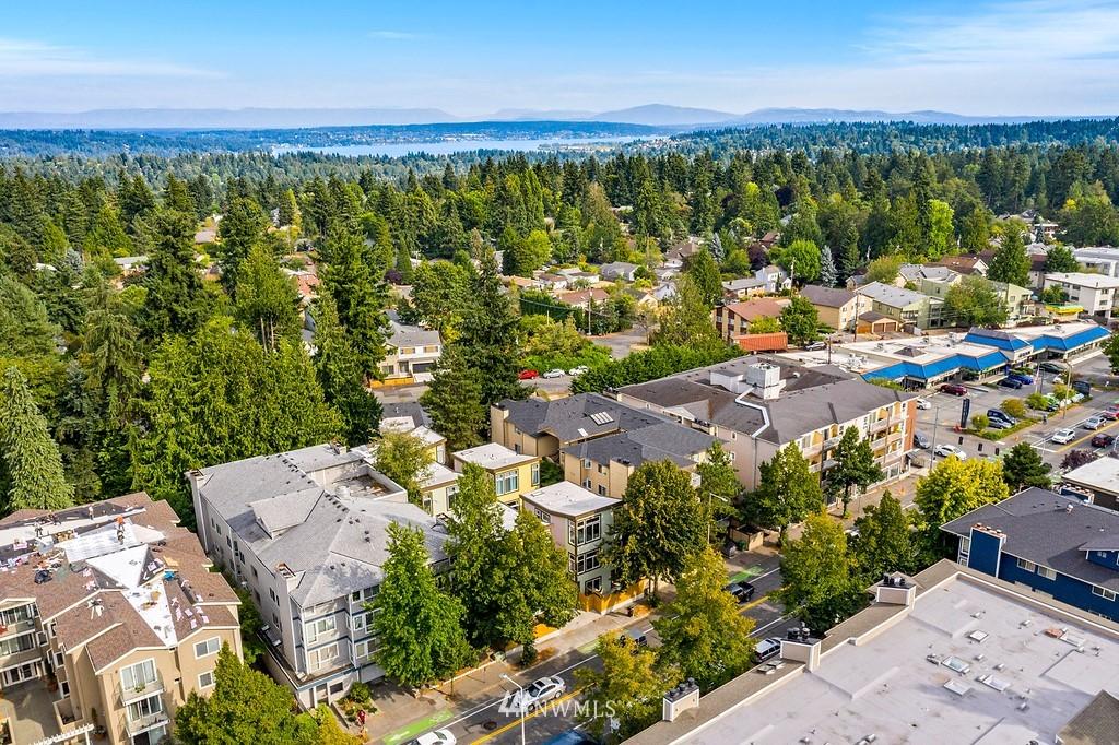 Pending | 12016 15th Avenue NE Seattle, WA 98125 22