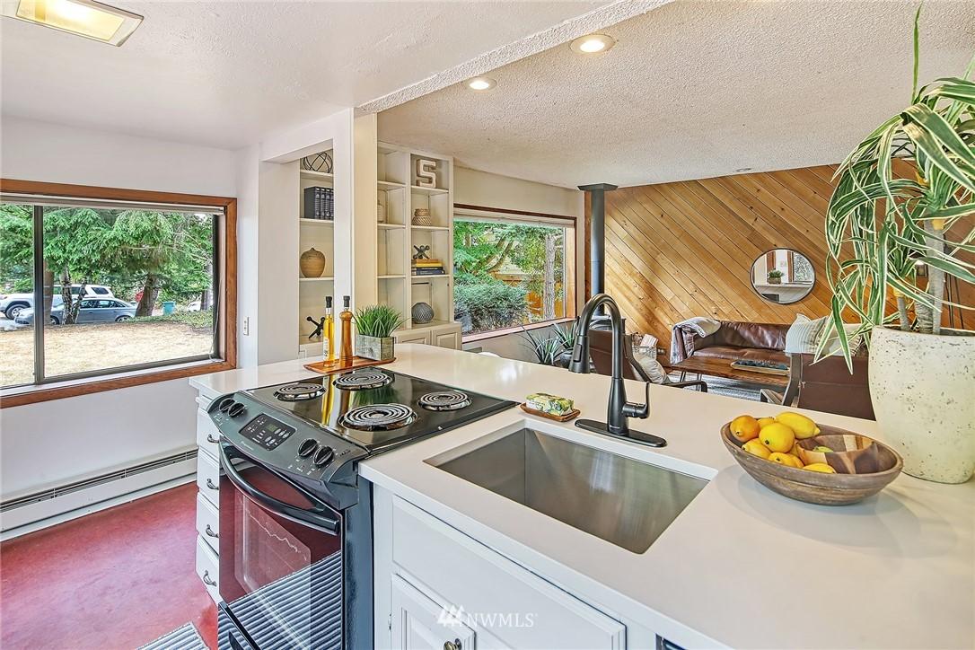 Sold Property | 627 NW 88th St Seattle, WA 98117 2