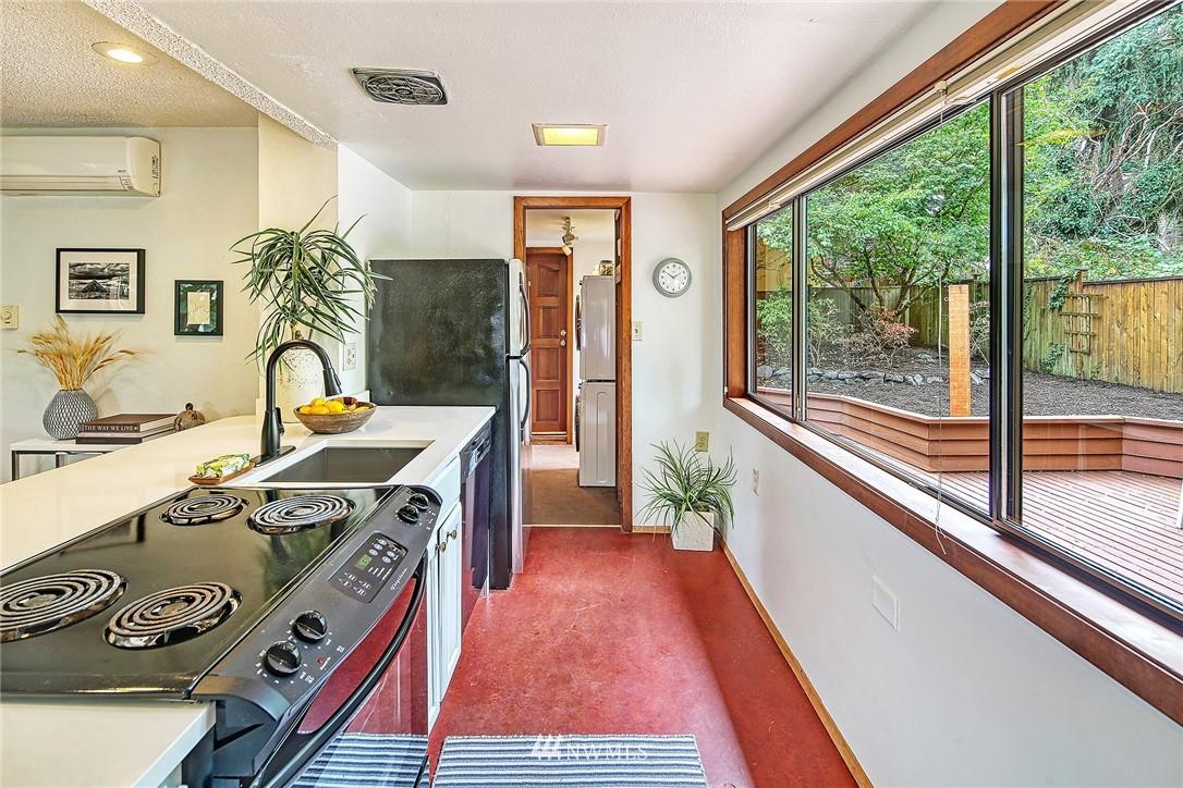 Sold Property | 627 NW 88th St Seattle, WA 98117 3