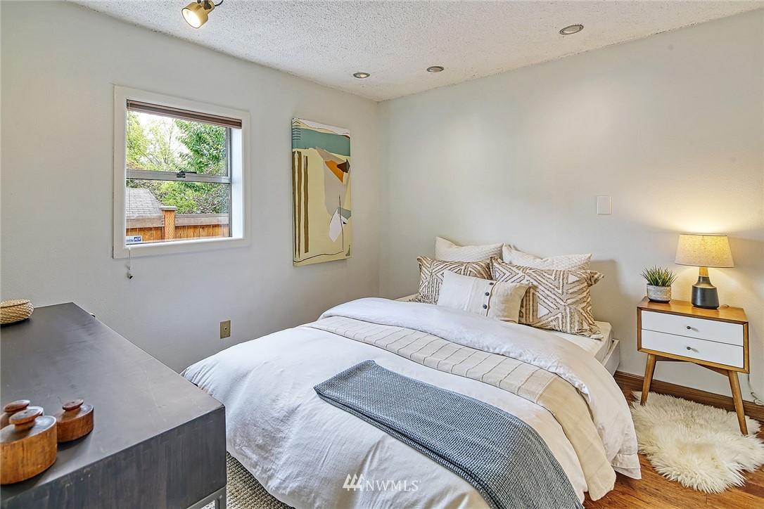Sold Property | 627 NW 88th St Seattle, WA 98117 7