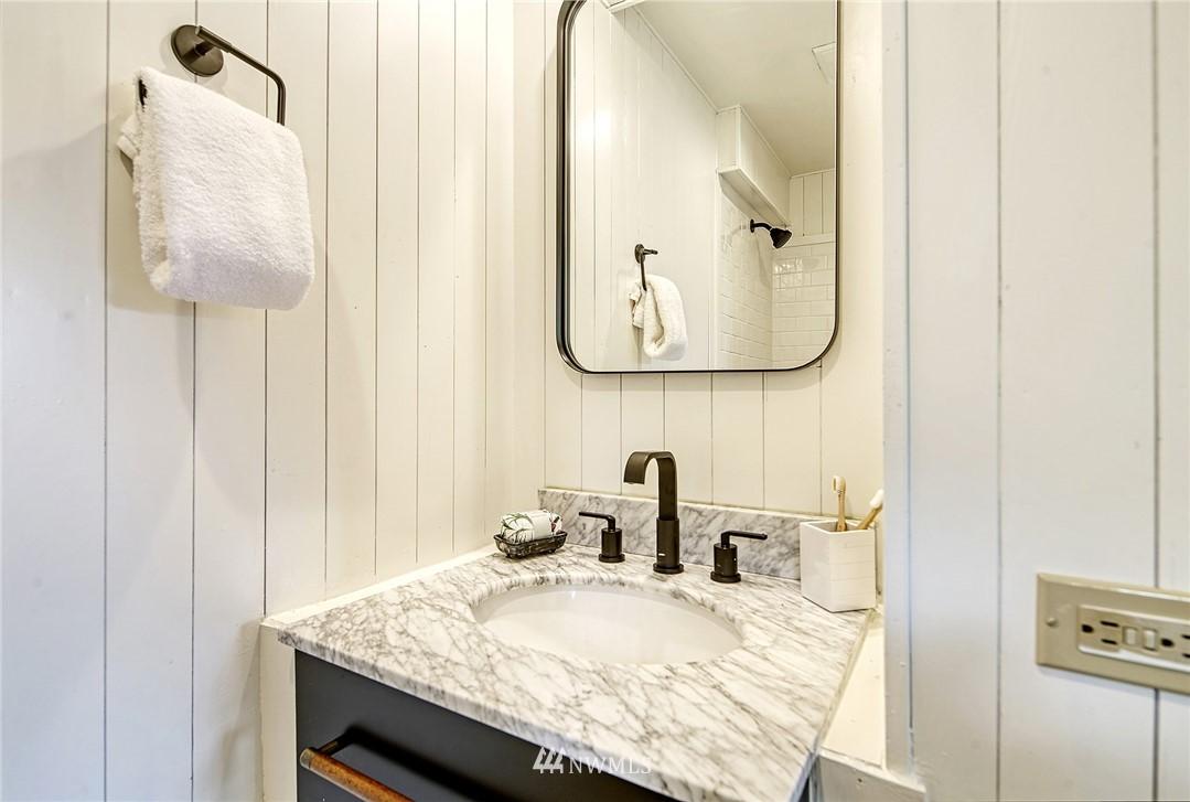 Sold Property | 627 NW 88th St Seattle, WA 98117 9
