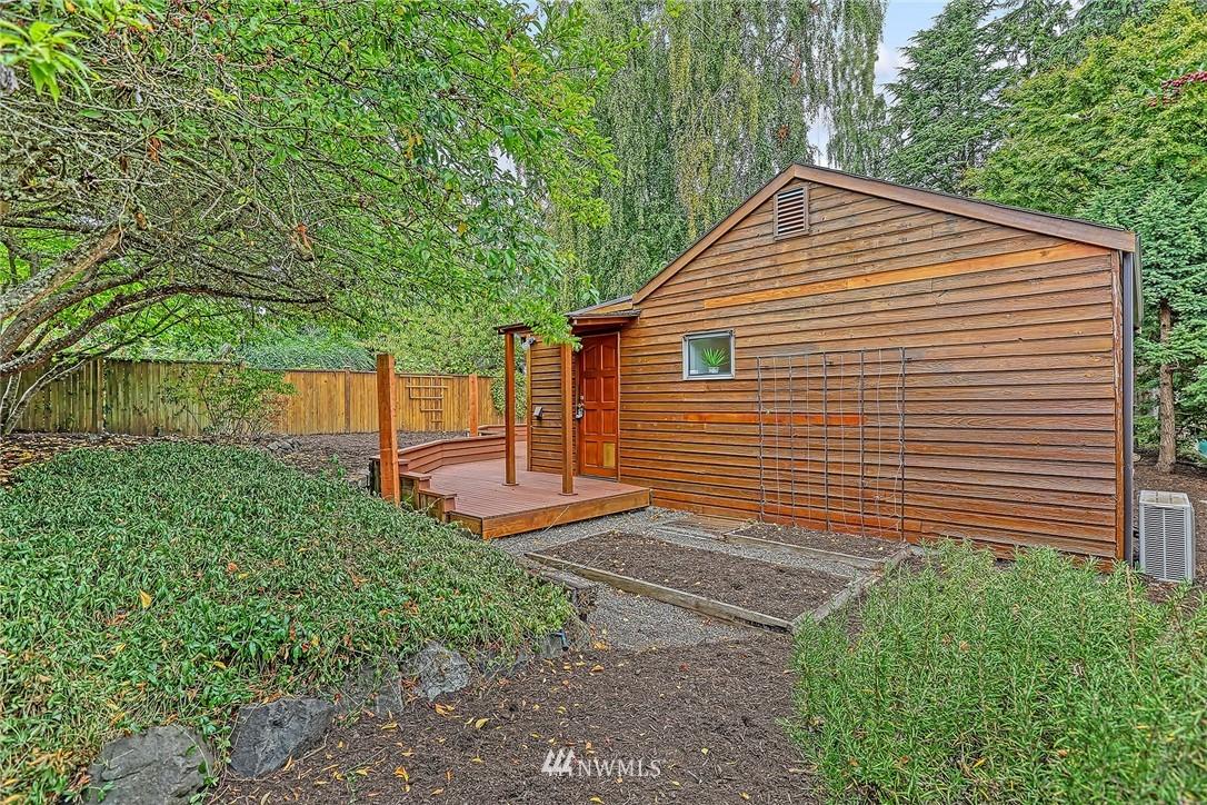 Sold Property | 627 NW 88th St Seattle, WA 98117 14