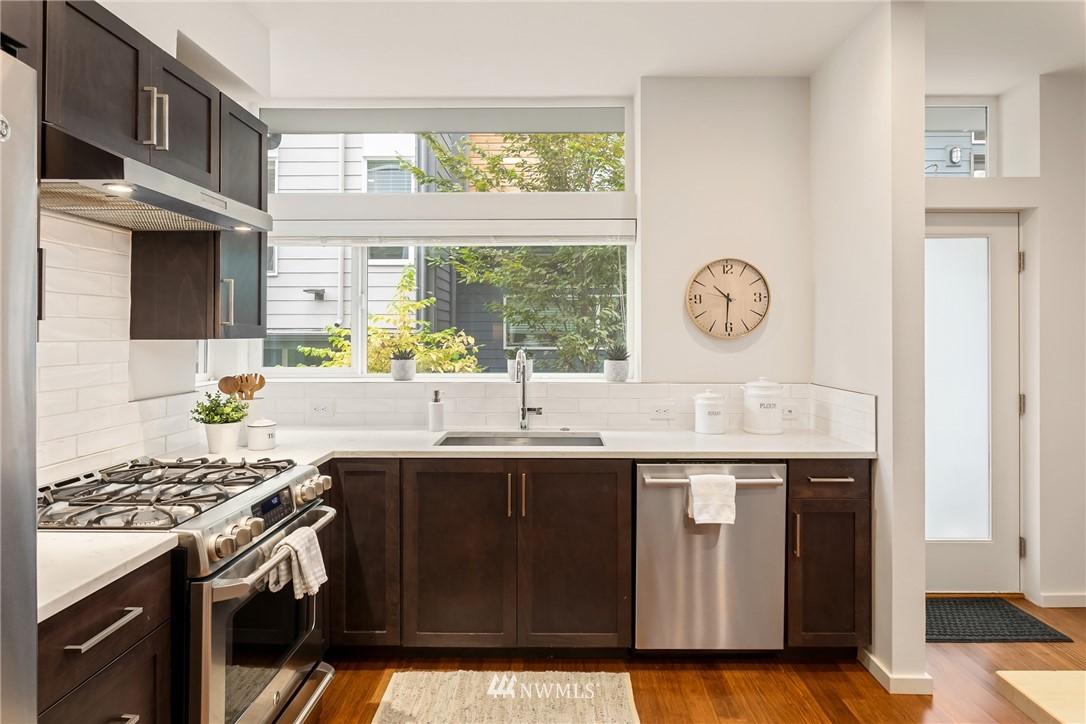 Sold Property | 2605 22nd Avenue W #B Seattle, WA 98199 3