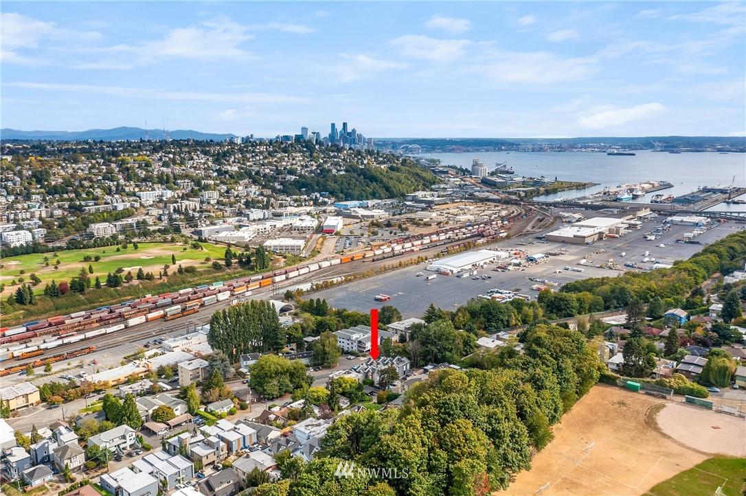 Sold Property | 2605 22nd Avenue W #B Seattle, WA 98199 23