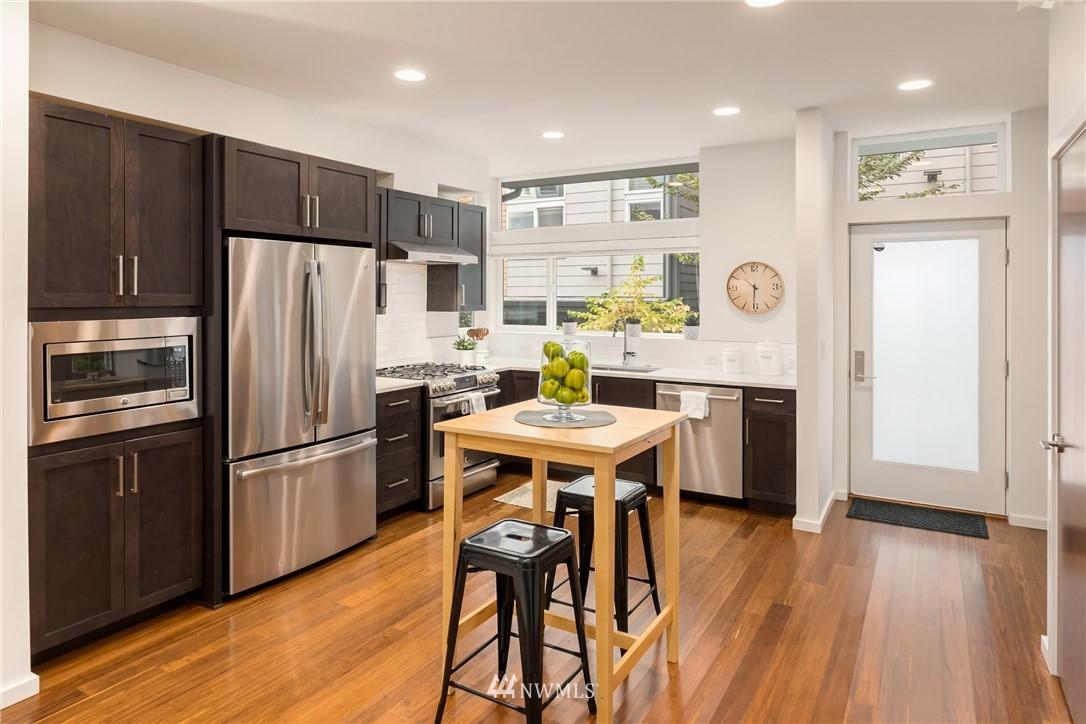Sold Property | 2605 22nd Avenue W #B Seattle, WA 98199 5