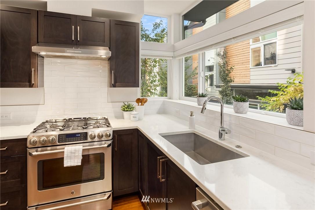 Sold Property | 2605 22nd Avenue W #B Seattle, WA 98199 6