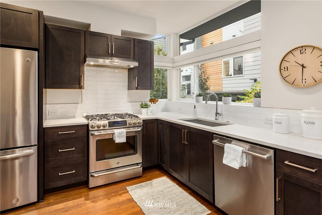 Sold Property | 2605 22nd Avenue W #B Seattle, WA 98199 7