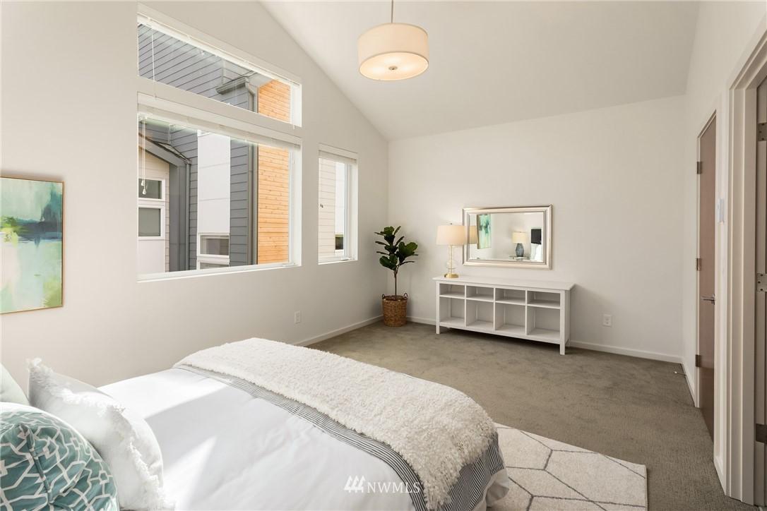 Sold Property | 2605 22nd Avenue W #B Seattle, WA 98199 13