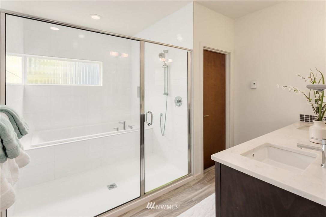 Sold Property | 2605 22nd Avenue W #B Seattle, WA 98199 14