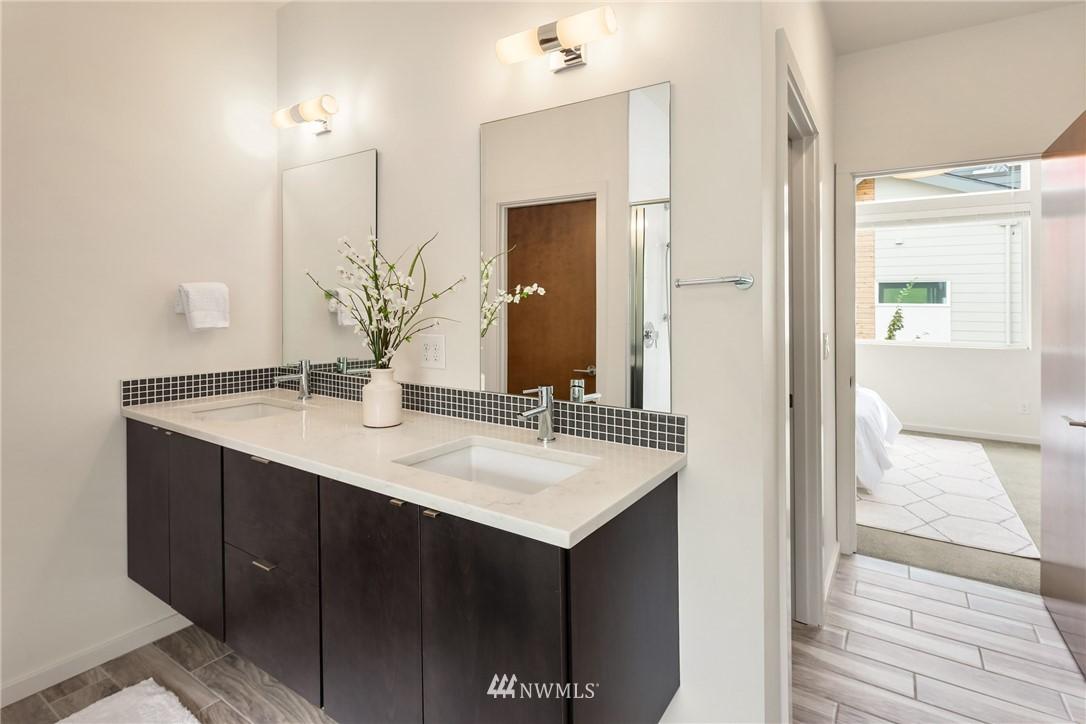 Sold Property | 2605 22nd Avenue W #B Seattle, WA 98199 15