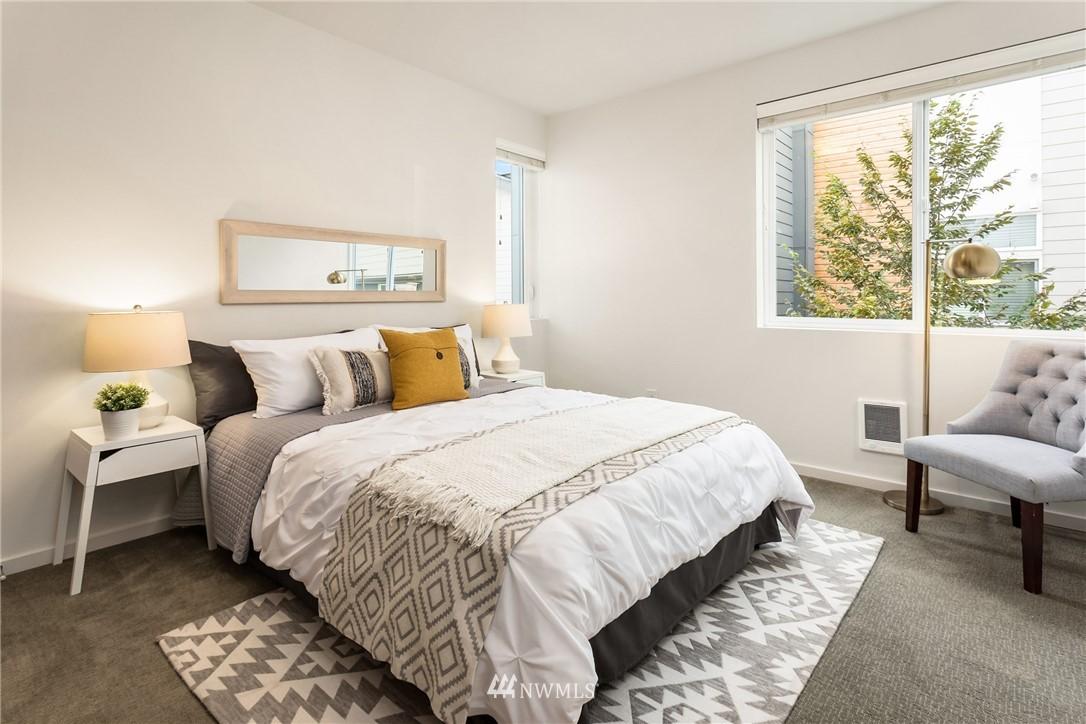 Sold Property | 2605 22nd Avenue W #B Seattle, WA 98199 18