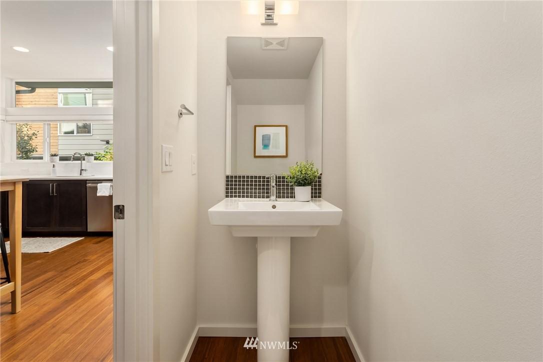 Sold Property | 2605 22nd Avenue W #B Seattle, WA 98199 8
