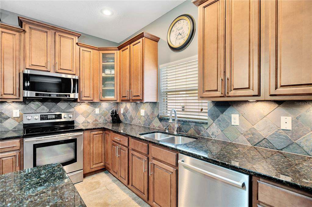 Pending   12211 SWAYING MOSS CIRCLE RIVERVIEW, FL 33569 13