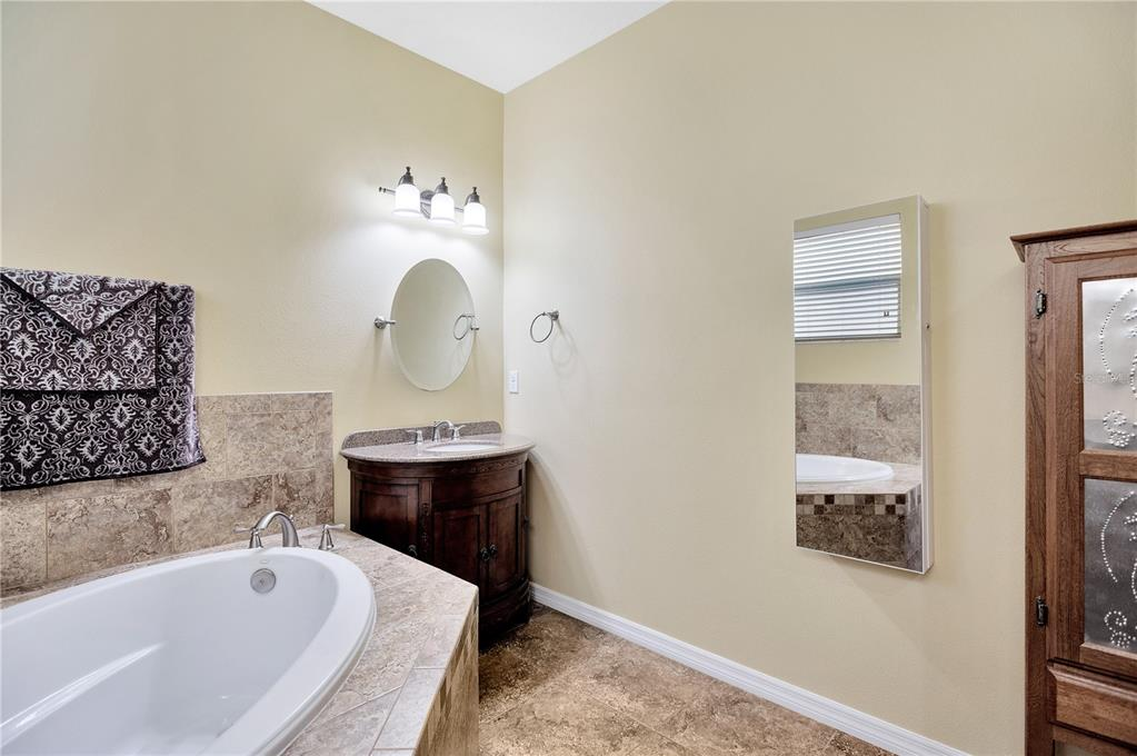 Pending   12211 SWAYING MOSS CIRCLE RIVERVIEW, FL 33569 23