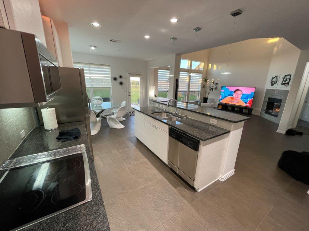 Sold Property   2249 Hideaway Pointe Drive Little Elm, Texas 75068 11