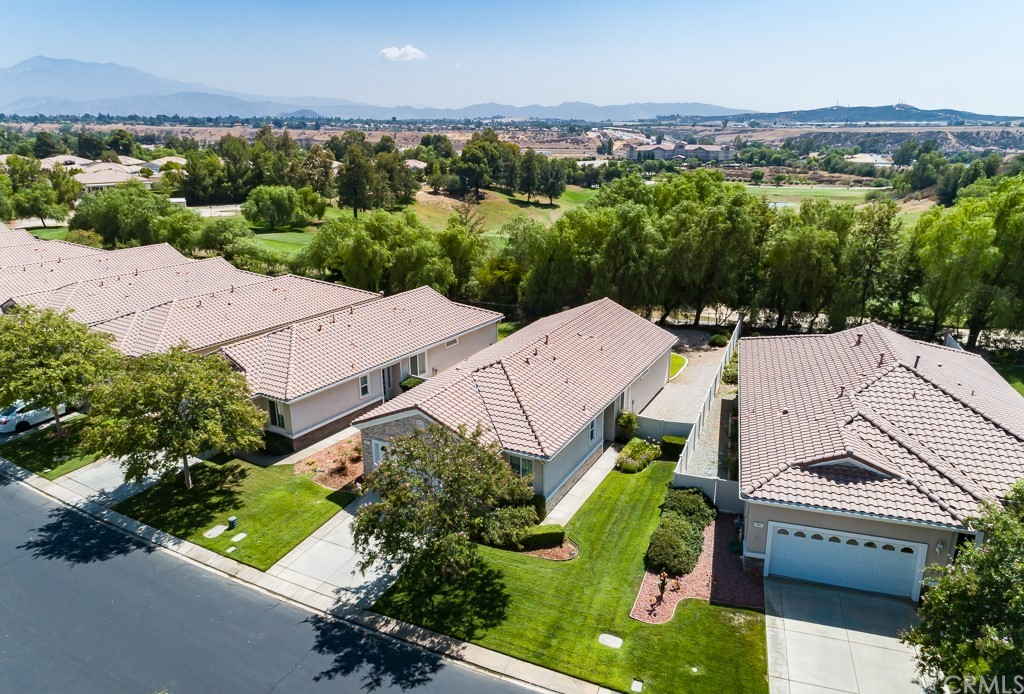 ActiveUnderContract | 997 Blackhawk Drive Beaumont, CA 92223 5