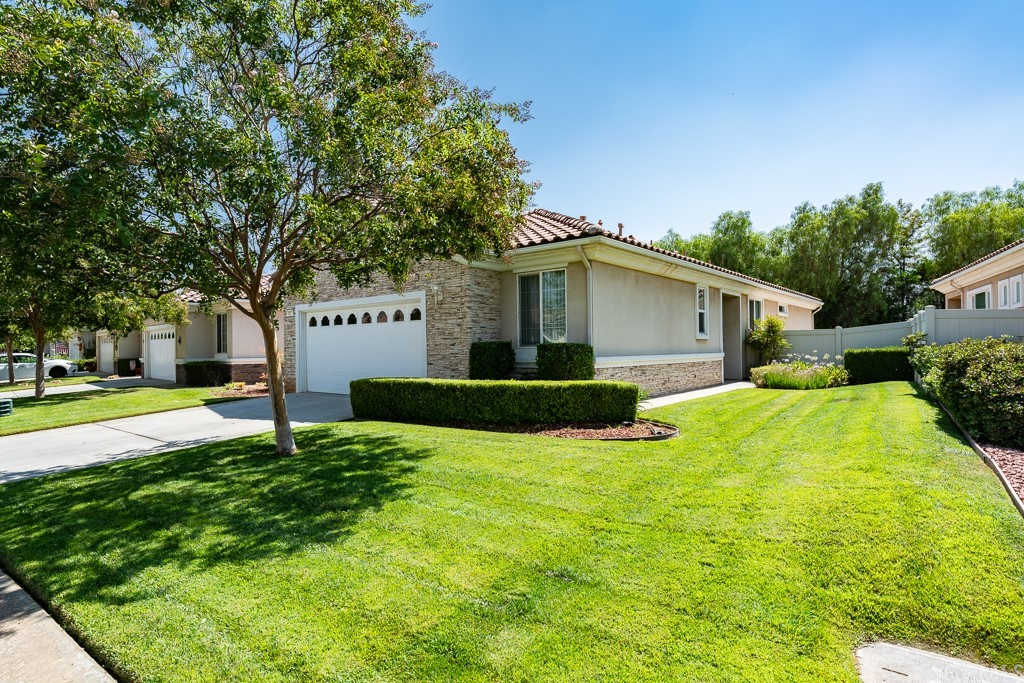 ActiveUnderContract | 997 Blackhawk Drive Beaumont, CA 92223 3